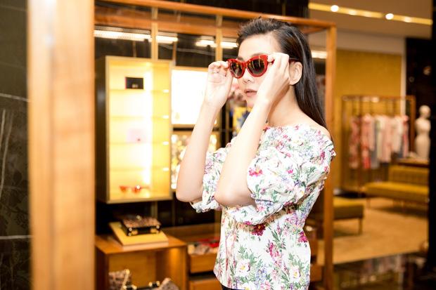 Lần thứ 3 dự Milan Fashion Week, Thanh Hằng hoang mang không biết nên mặc gì cho oách - Ảnh 5.