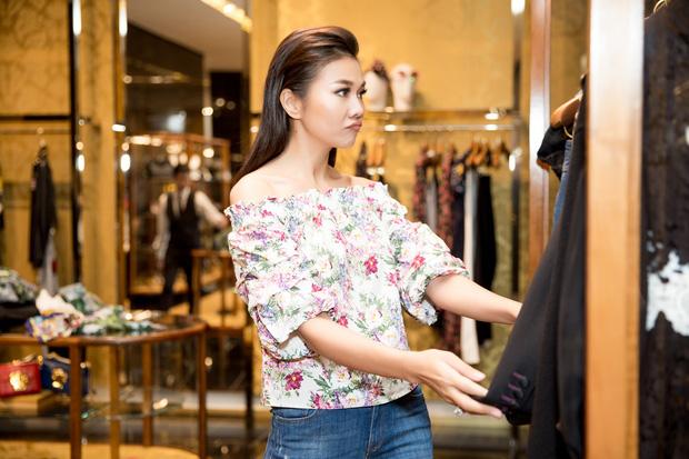 Lần thứ 3 dự Milan Fashion Week, Thanh Hằng hoang mang không biết nên mặc gì cho oách - Ảnh 10.